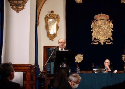 Eduardo Castro en la lectura de su Discurso.